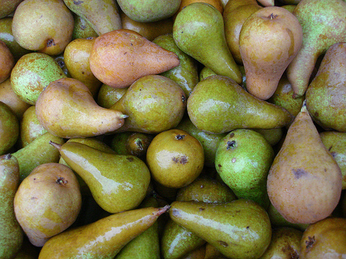 Random array of pears